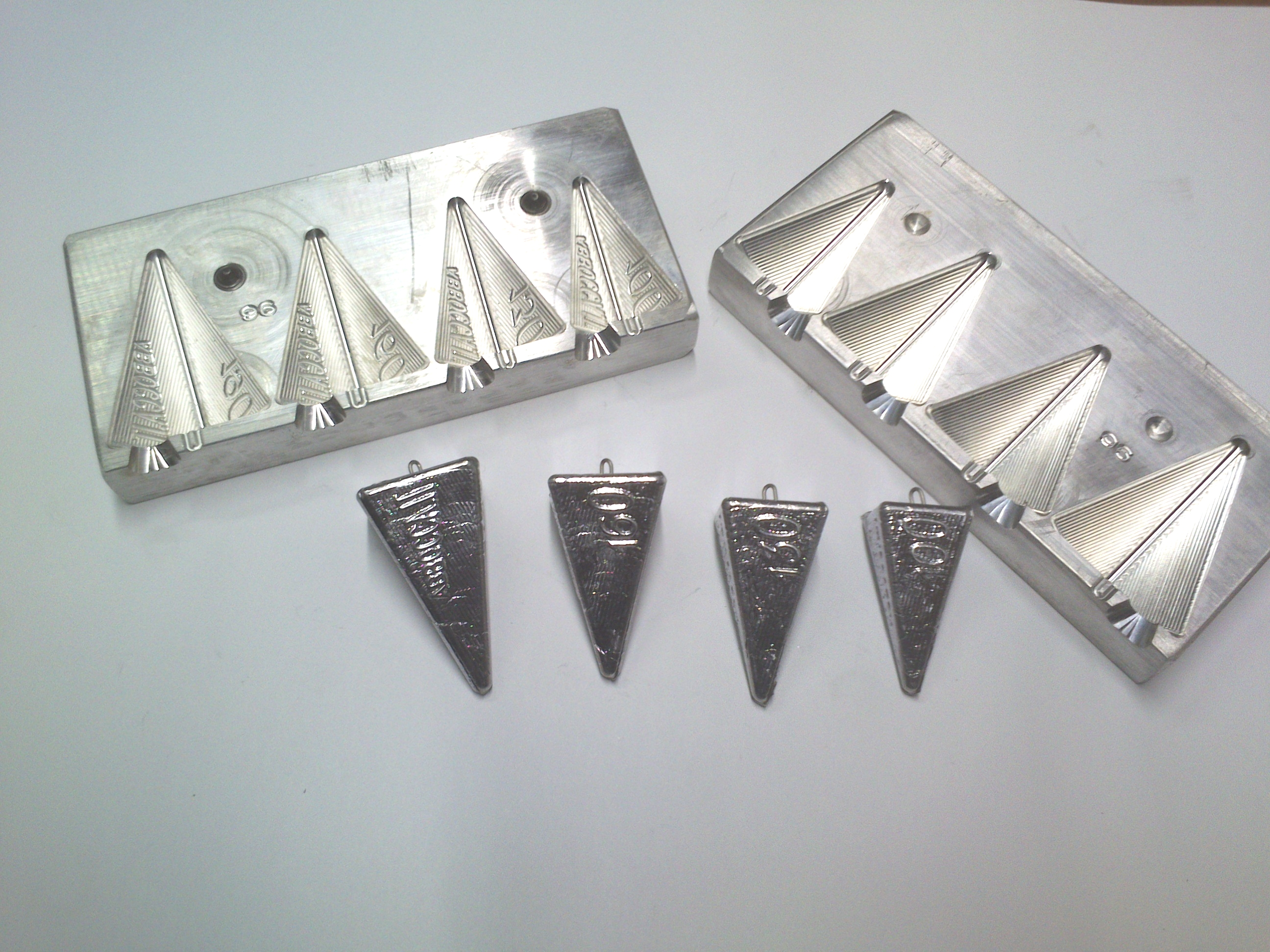 Fishing Sinkers , art 96 - Piramide 4 facce 100-130-160-190 g.